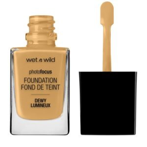 Photo Focus Dewy Foundation